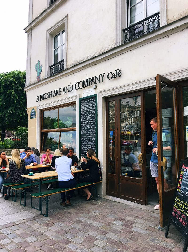 Shakespeare and Company cafe Paris
