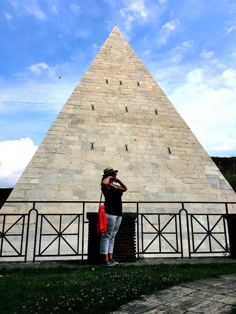 cestius pyramid rome