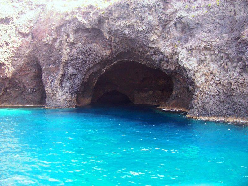 filicudi grotto del bue marino
