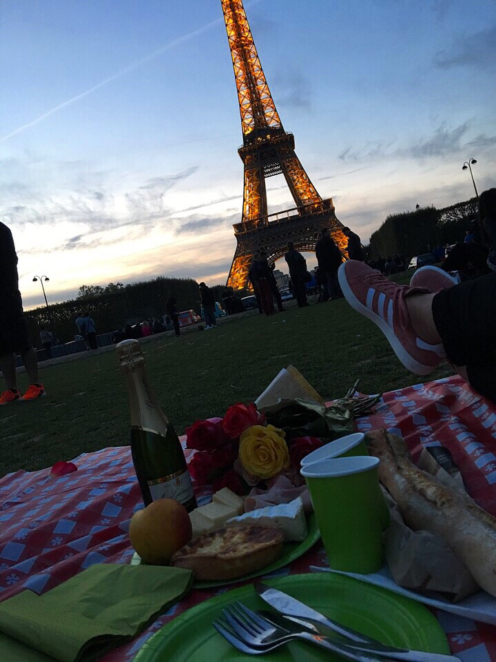 Picnic Eiffel Tower