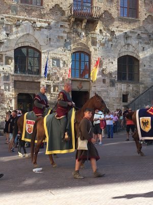 Glam Italia Tour San Gimignano