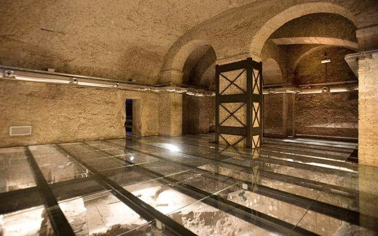 Glass floors at the Roman Houses under the Palazzo Valentini in Rome allow you to see the homes from directly above rather than from the sidelines, giving you a more inclusive experience