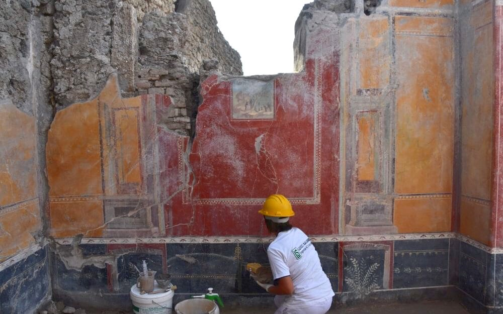 Newly discovered frescoes in two villas being excavated in Pompeii