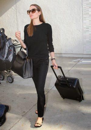 angelina jolie always has perfect travel wardrobe