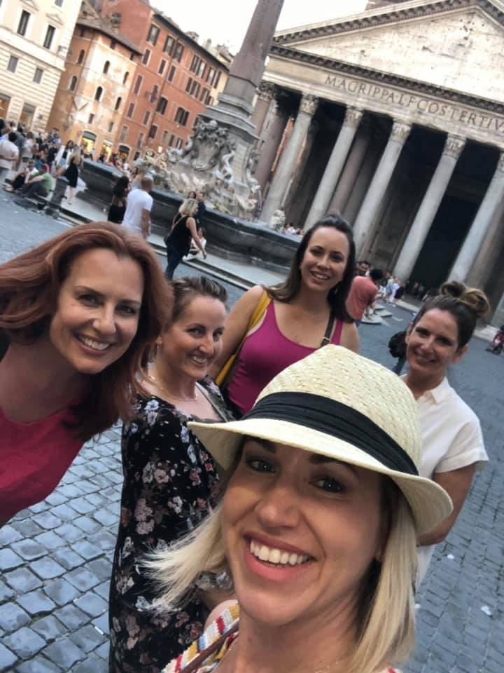 Glam Italia Tour in Rome at the Pantheon in Piazza della Rotonda