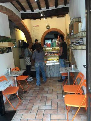 Buon Gusto artiginale gelato in Pienza Italy