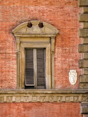 the secret of the open window in palazzo grifoni in Florence