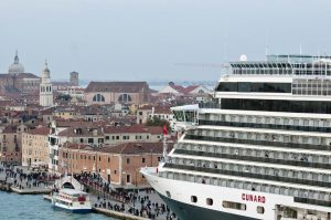 Cunad cruise ship Venice